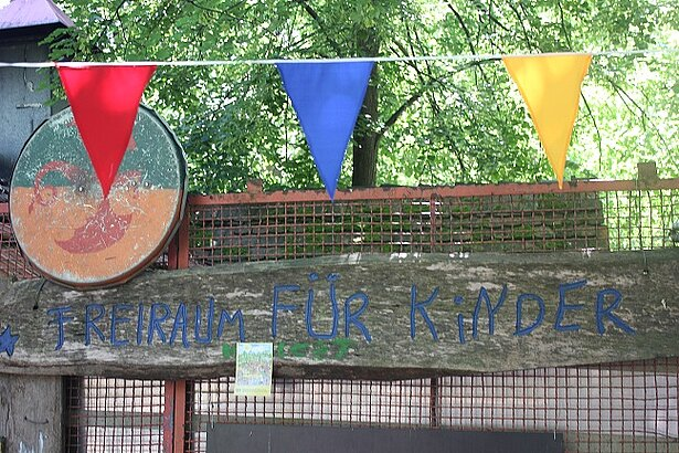 Donation to the children's paradise Kolle 37 in the heart of Berlin
